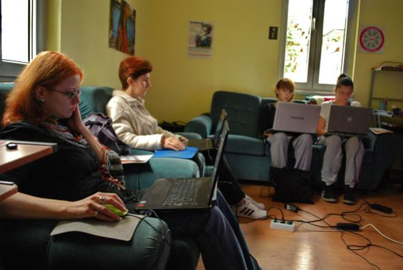 Women participate in a FemWiki workshop in Kraljevo, to increase gender diversity on the Serbian Wikipedia. These events help them form friendships, share advice and support each other to write more articles about women and gender issues. Photo by BoyaBoBoya, CC BY-SA 4.0.