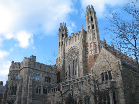 Sterling_Law_Building,_Yale
