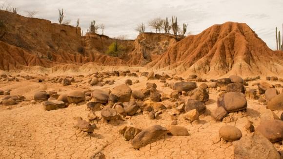 Rocas_de_Río_y_Relieve_en_el_Desierto_de_La_Tatacoa