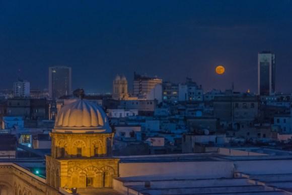 Supermoon over Medina of Tunis. Photo by IssamBarhoumi, CC-BY-SA 4.0.